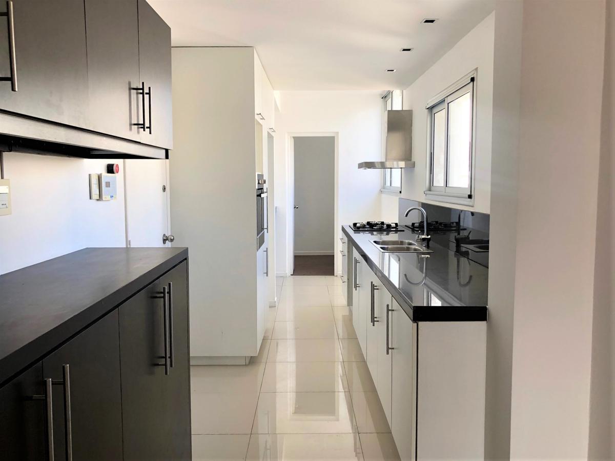 Foto Apartamento en Alquiler en  Pocitos ,  Montevideo  Barreiro esq. Benito Blanco