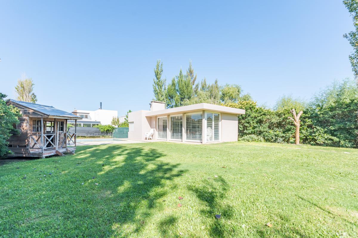 Foto Casa en Venta en  Fisherton,  Rosario  Juan B. Justo y Gatti