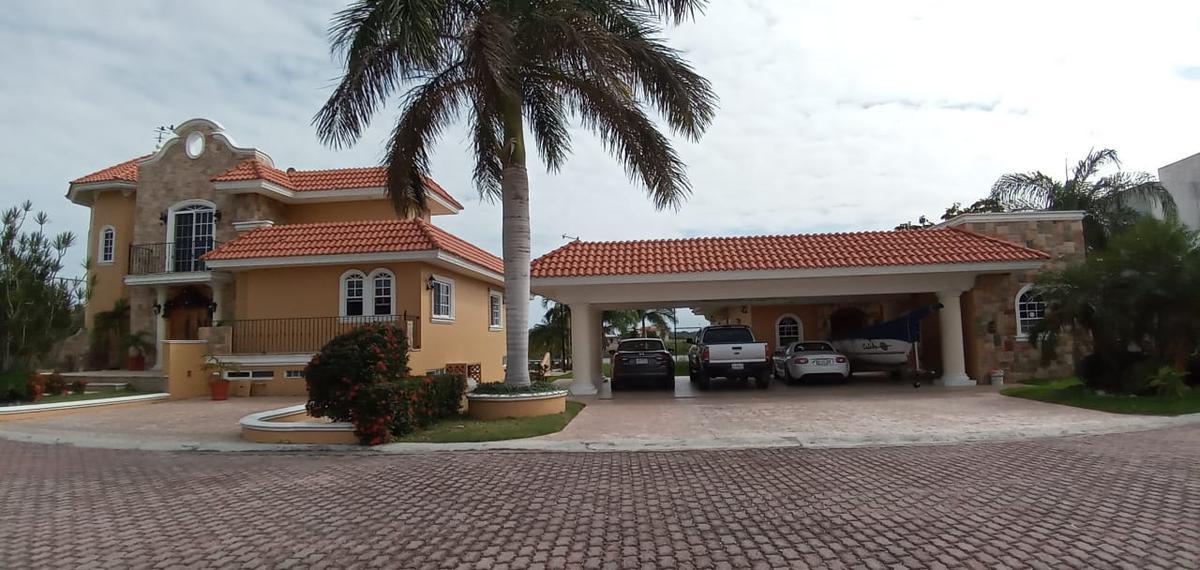 Foto Casa en Venta en  Fraccionamiento Lagunas de Miralta,  Altamira  Preciosa residencia ubicada en la mejor ubicacion del sur de Tamaulipas