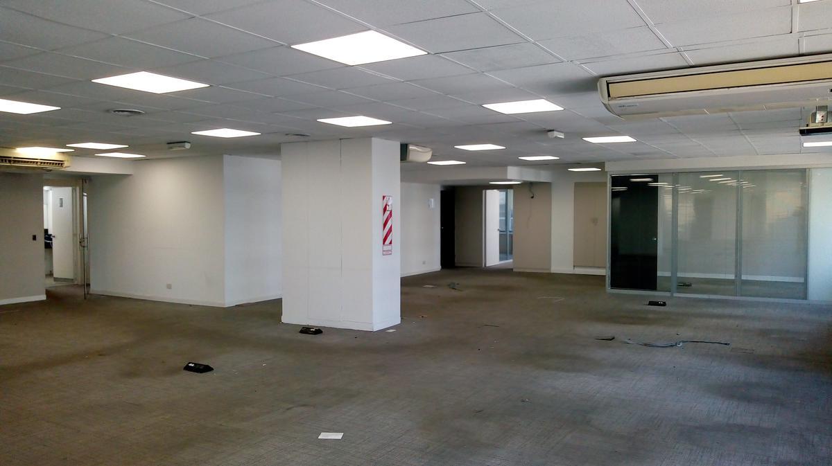 Foto Oficina en Alquiler   Venta en  Catalinas,  Centro (Capital Federal)  Av Leandro N Alem al 900