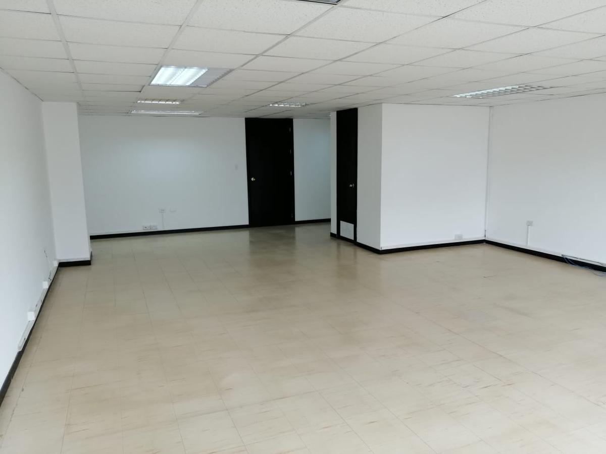 Foto Oficina en Alquiler en  Centro Norte,  Quito  AV. AMAZONAS