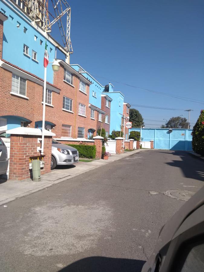 Foto Casa en condominio en Renta en  San Lorenzo TepaltitlAn Centro,  Toluca  SAN LORENZO TEPALTITLAN