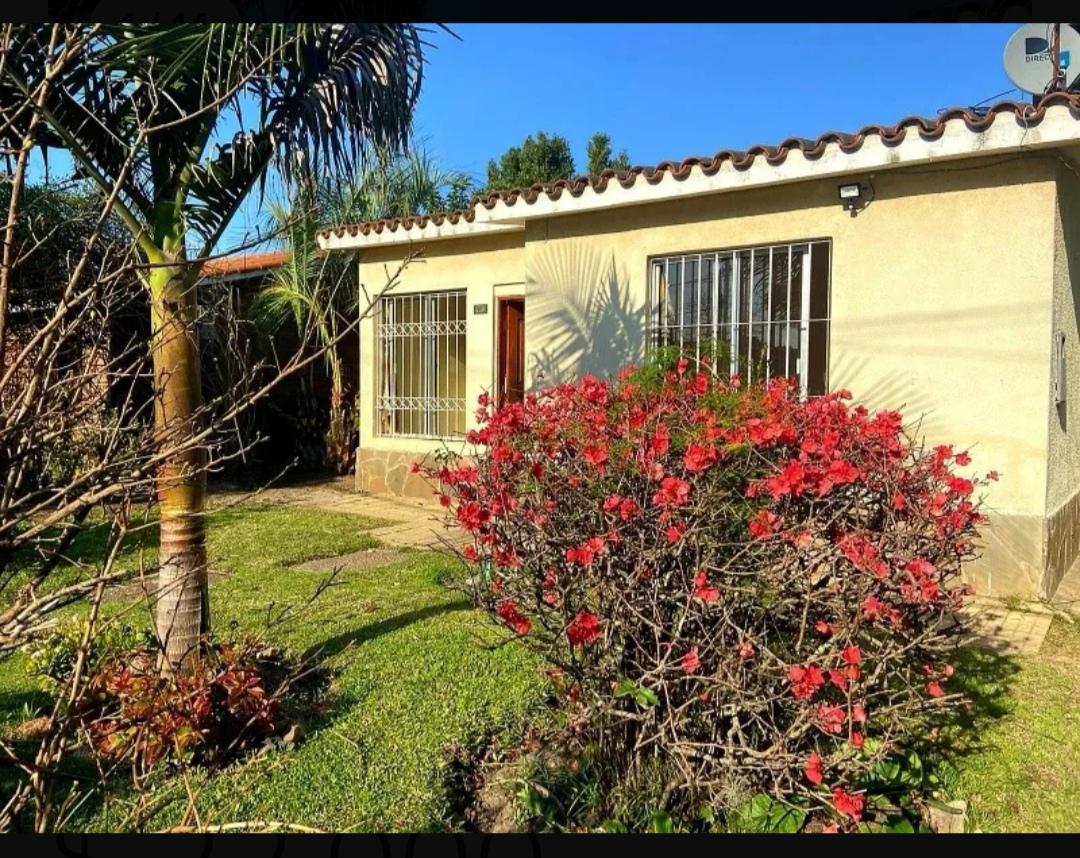 Foto Casa en Alquiler en  Lagomar ,  Canelones   A unas cuadras del Costa Urbana, al sur