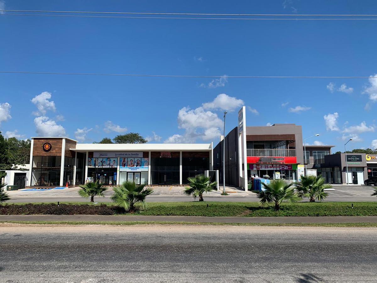 Foto Local en Renta en  Quintana Roo ,  Quintana Roo  Locales en renta Av. huayacán Carretera aeropuerto Cancun