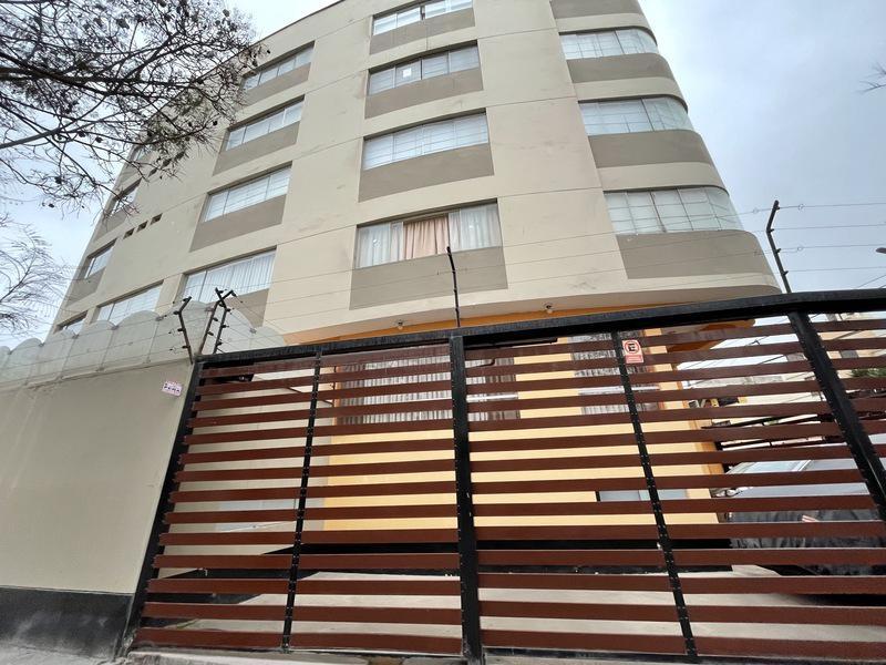 Foto Departamento en Alquiler en  Santiago de Surco,  Lima  Calle Aldabas cuadra 6
