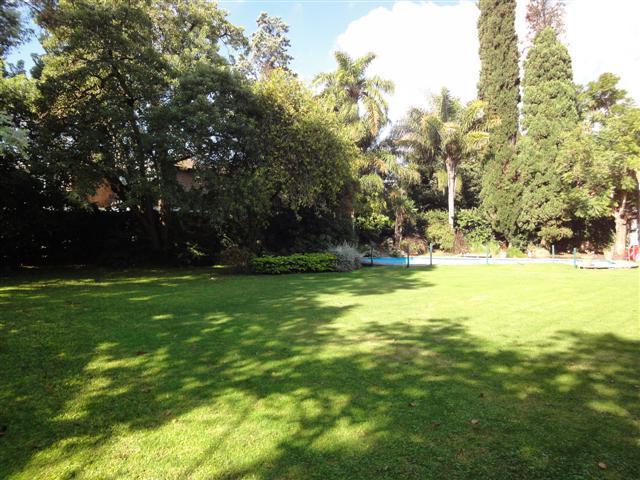 Foto Casa en Venta en  Acassuso,  San Isidro  Juan Cruz Varela 1000