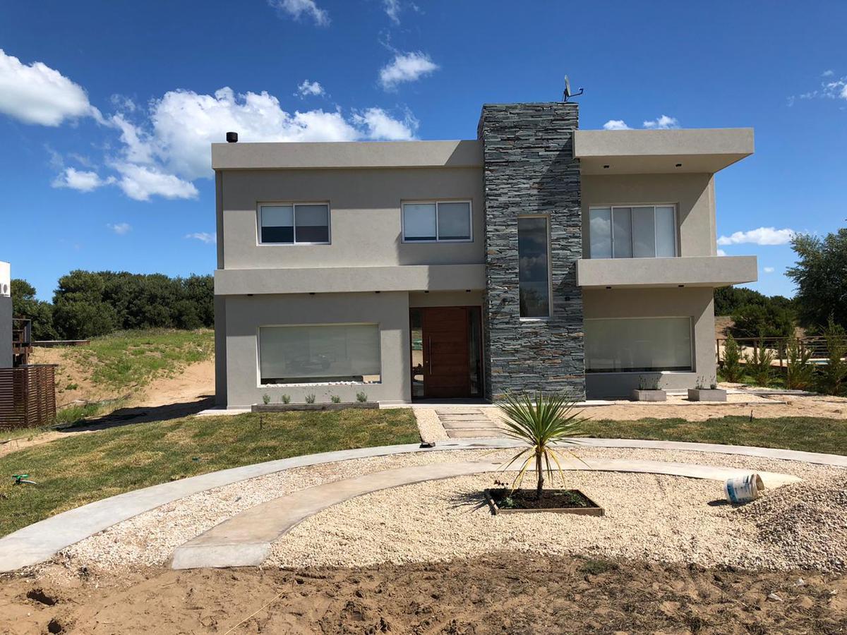 Foto Casa en Alquiler temporario en  Costa Esmeralda,  Punta Medanos          Residencial I al 515