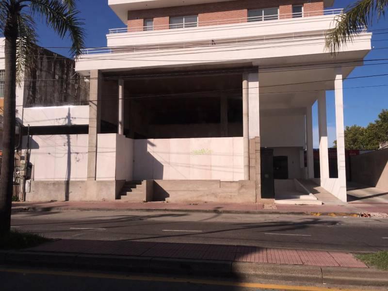Foto Local en Alquiler en  Tigre ,  G.B.A. Zona Norte  Avenida Cazon al 1300