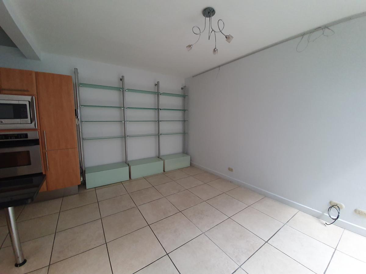 Foto Casa en condominio en Renta en  Escazu,  Escazu   Espectacular Casa con línea blanca en Condominio Boutique