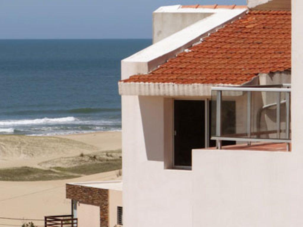Foto Casa en Venta en  Punta del Diablo ,  Rocha  Punta del Diablo, Rocha - Simón Bolivar y Oceano Atlantico