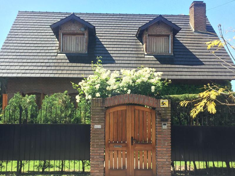 Foto Casa en Venta en  Castelar Norte,  Castelar  Merlo al 200