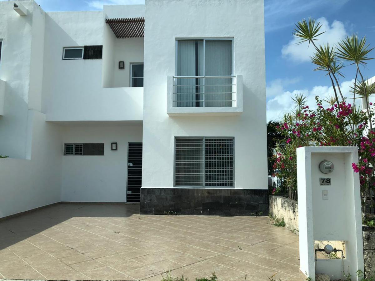 Foto Casa en Venta en  Cancún,  Benito Juárez  Casa en Venta en Cancun Zona Sur | Villas del Arte