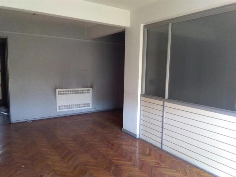 Foto Oficina en Alquiler en  Avellaneda,  Avellaneda  Av Mitre 374