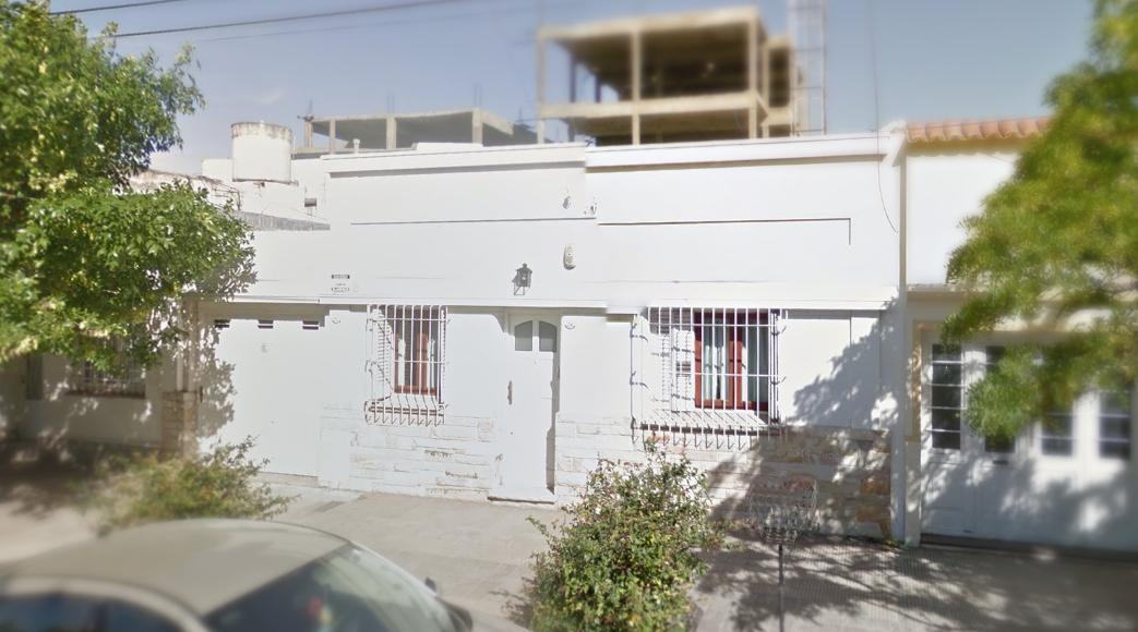 Foto Casa en Venta en  Bahia Blanca ,  Costa Atlantica  25 de mayo al 200