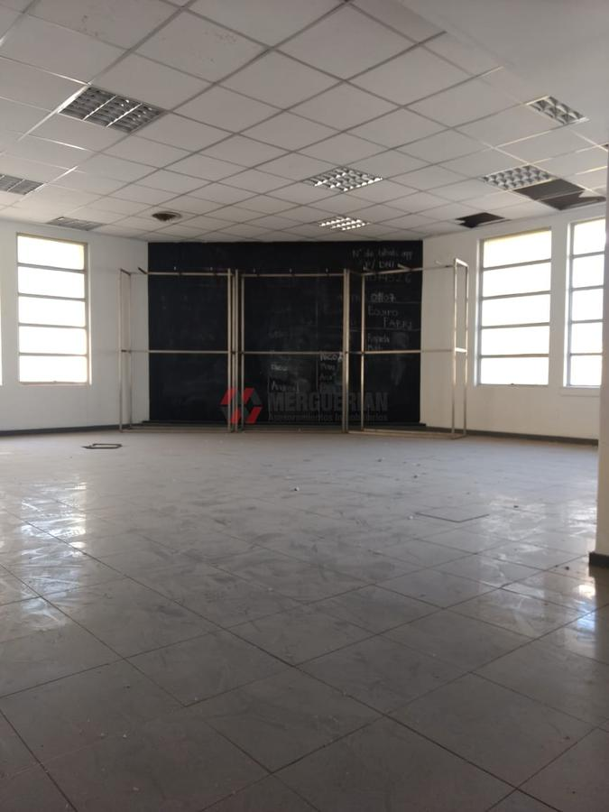 Foto Local en Alquiler en  Centro,  Cordoba  DEAN FUNES al 100