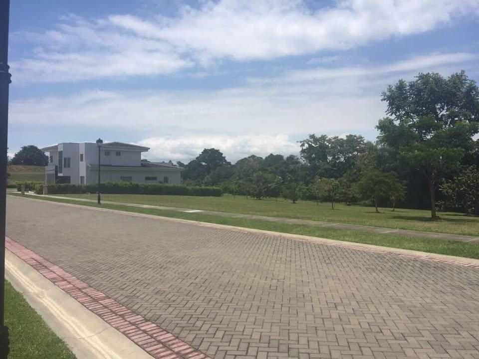 Foto Terreno en Venta en  Guacima,  Alajuela  Los Reyes/Tranquilidad/Naturaleza/Condominio cerrado