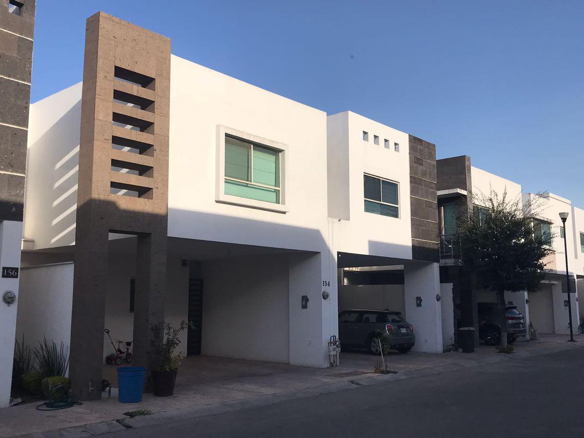 Foto Casa en Venta en  Cumbres Le Fontaine,  Monterrey  Cumbres Le Fontaine Sector 2