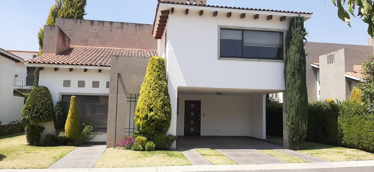 Foto Casa en condominio en Renta | Venta en  Loma Real,  Metepec  CASA EN VENTA Y RENTA EN LOMA REAL METEPEC