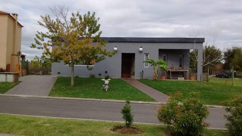 Foto Casa en Venta en  La Comarca,  Countries/B.Cerrado (Tigre)  Bancalari 1