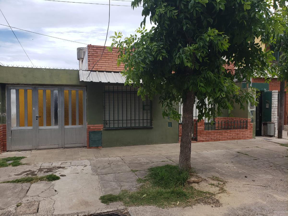 Foto Casa en Venta en  Rosario ,  Santa Fe  CAMILO ALDAO 500 BIS