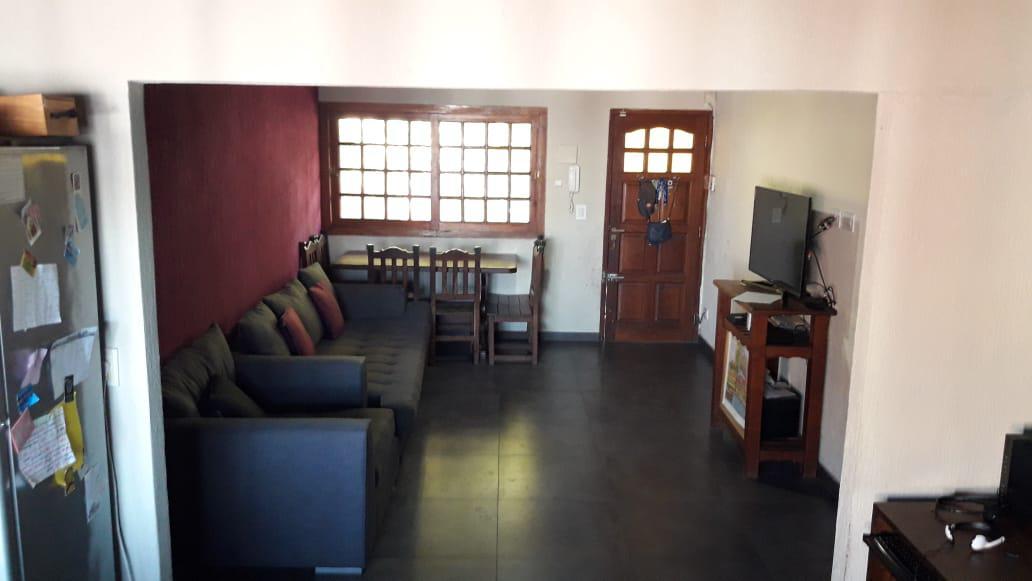 Foto Departamento en Venta en  Adrogue,  Almirante Brown  Rivadavia 640 Planta Alta Adrogue