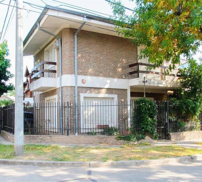 Foto Casa en Venta en  La Florida,  Rosario  Galicia  259
