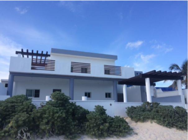 Foto Casa en Venta en  Pueblo Chicxulub Puerto,  Progreso  Casa en la Playa Chixchulub Puerto frente al mar
