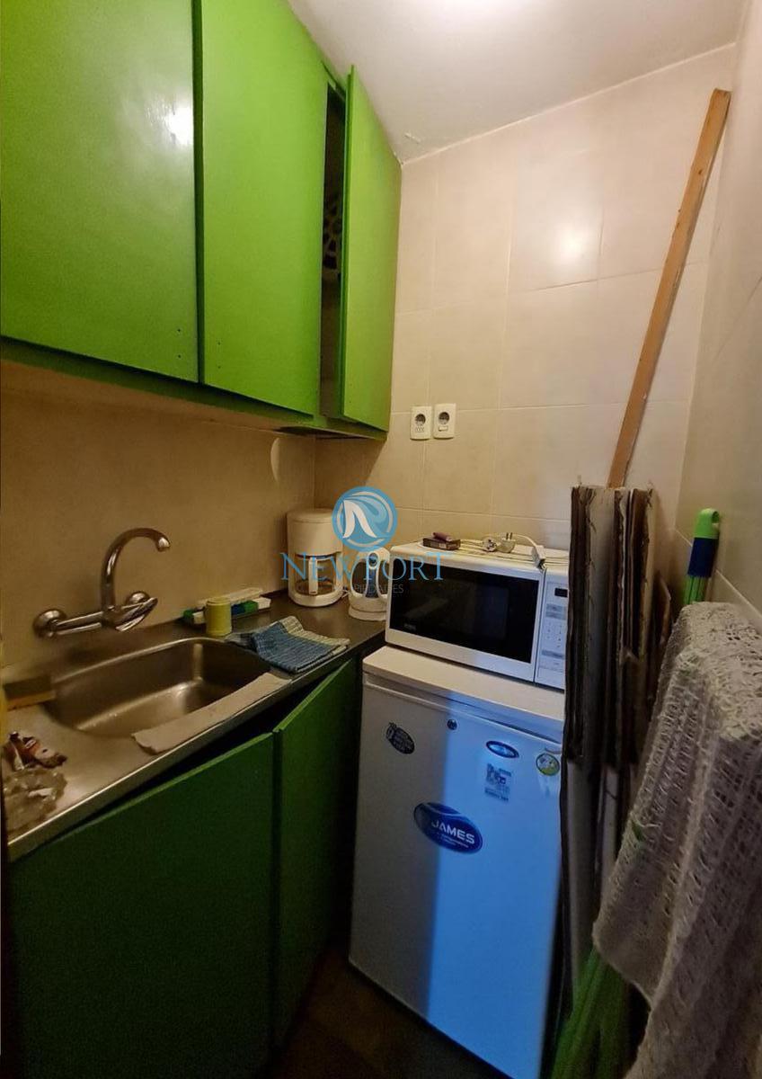 Foto Oficina en Alquiler en  Centro (Montevideo),  Montevideo  Guayabos 1111