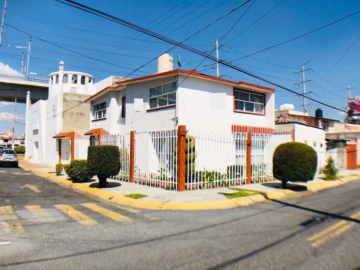 Foto Casa en condominio en Venta en  Unidad Victoria,  Toluca  Martha, Unidad Victoria