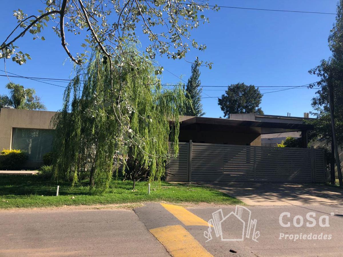 Foto Casa en Venta en  Aldea Fisherton,  Rosario  Génova 8854