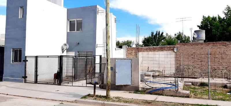 Foto Casa en Venta en  Villa Regina,  General Roca  CASA Y DEPARTAMENTO