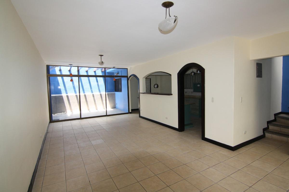 Foto Casa en condominio en Renta | Venta en  Escazu,  Escazu  Escazú / 3 habitaciones / Buena Iluminación / Pet Friendly