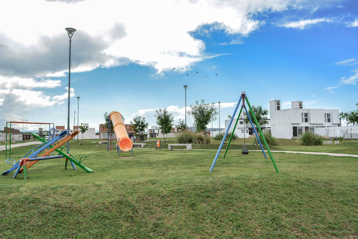 Foto Terreno en Venta en  Docta,  Cordoba Capital  DOCTA CENTRAL