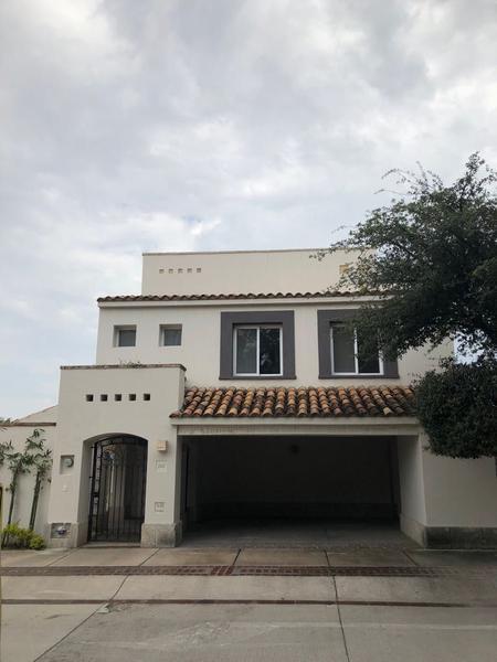 Zirca Capital Bienes Raices Casa En Venta En Residencial Punta Del