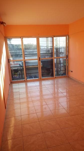 Foto Oficina en Alquiler en  Lomas De Zamora ,  G.B.A. Zona Sur  Balcarce al 100