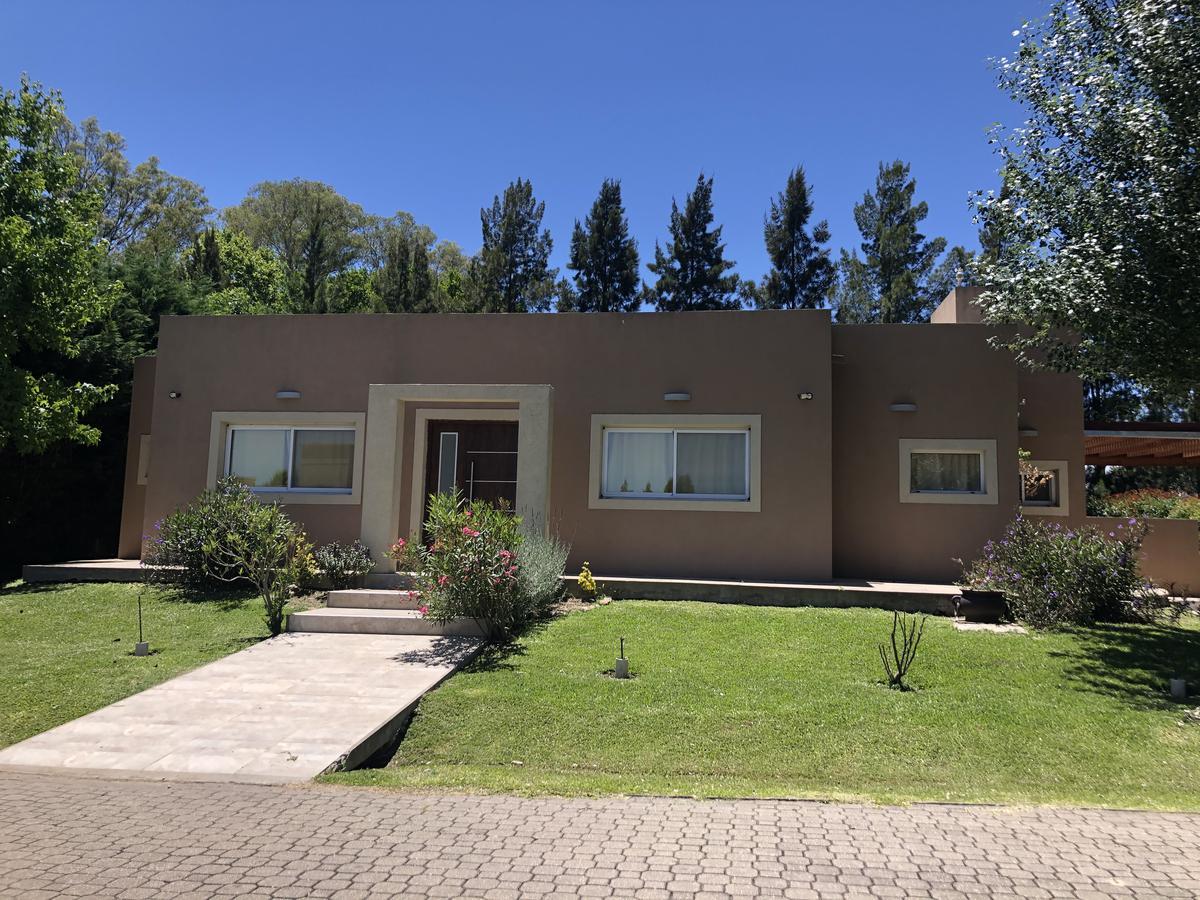 Foto Casa en Venta en  Los Cardales,  Countries/B.Cerrado (Campana)  Casa en   La Codorniz