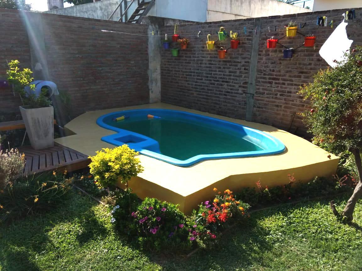 Foto Casa en Venta en  Roque Saenz Peña,  Rosario  Salva al 5400