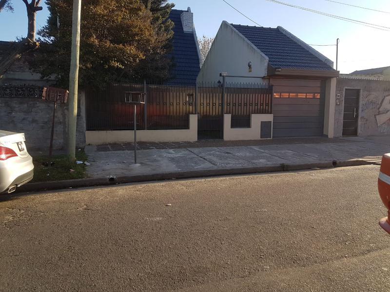 Foto Casa en Venta en  Lanús Oeste,  Lanús  Hernandarias al 3700
