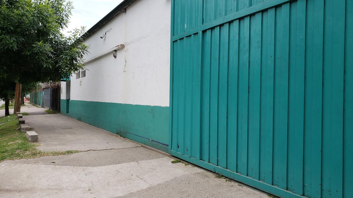 Foto Depósito en Alquiler | Venta en  Don Torcuato,  Tigre  Av. Angel T. de Alvear al 3500
