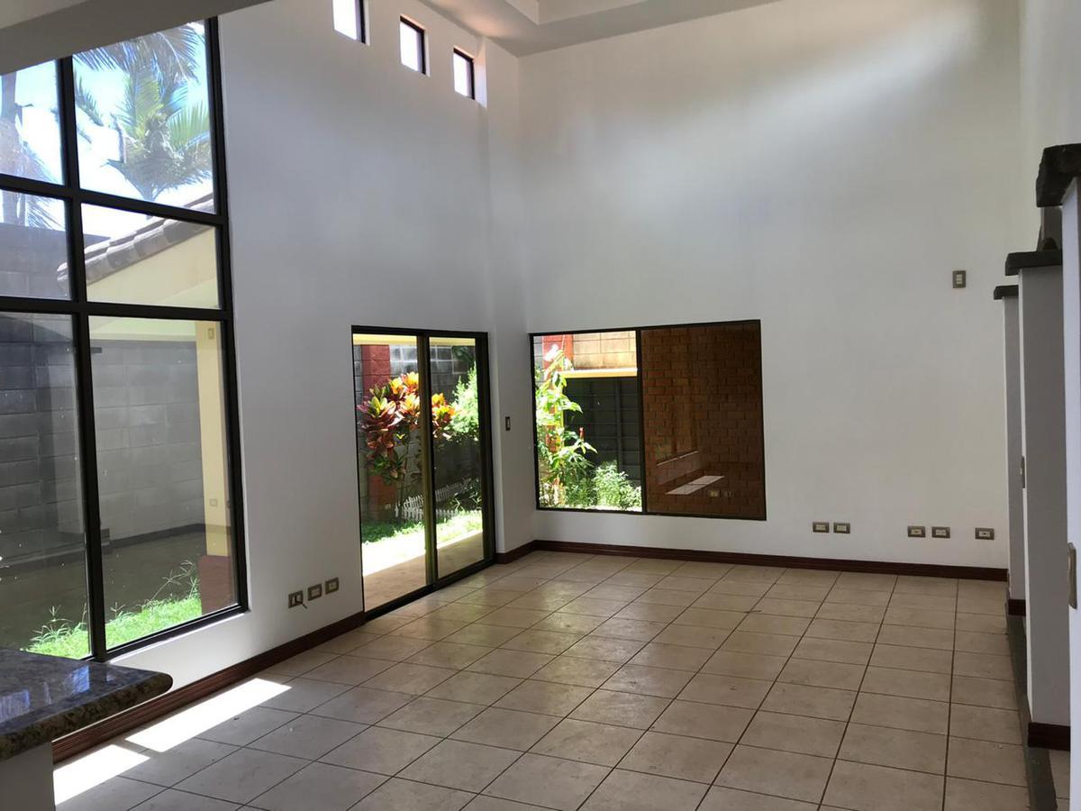 Foto Casa en condominio en Renta en  Ribera,  Belen  Belén / Casa de 3 habitaciones / Un solo nivel / Electrodomésticos / Piscina / DISPONIBLE 15 DE NOVIEMBRE