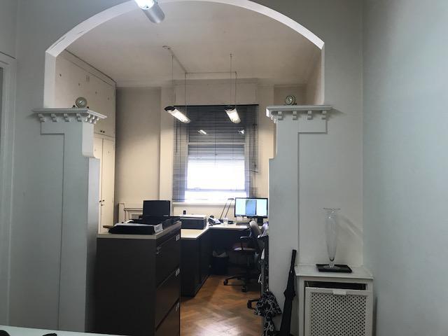 Foto Oficina en Venta | Alquiler en  Centro ,  Capital Federal  Roque Saenz Peña al 800