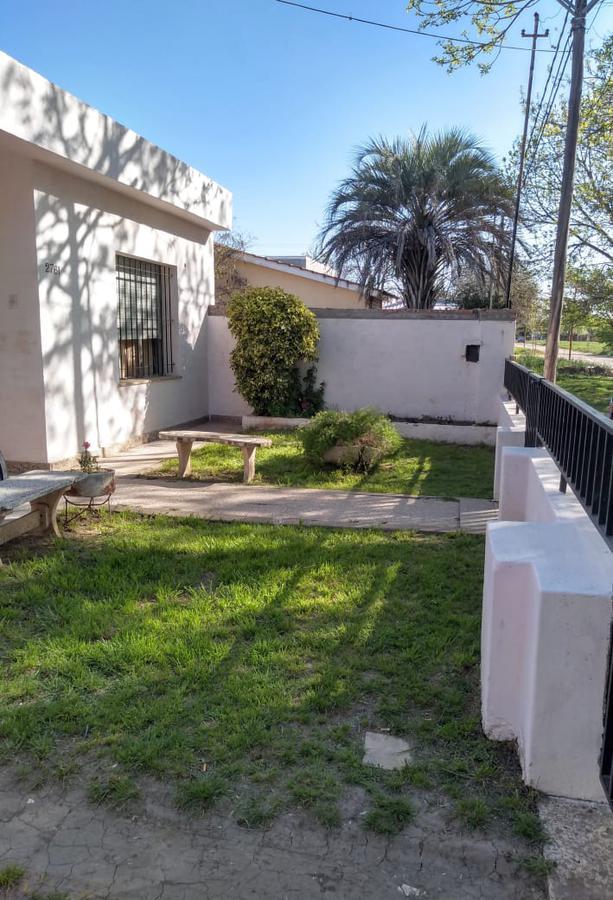 Foto Casa en Venta en  Perez ,  Santa Fe  José Hernández al 2700