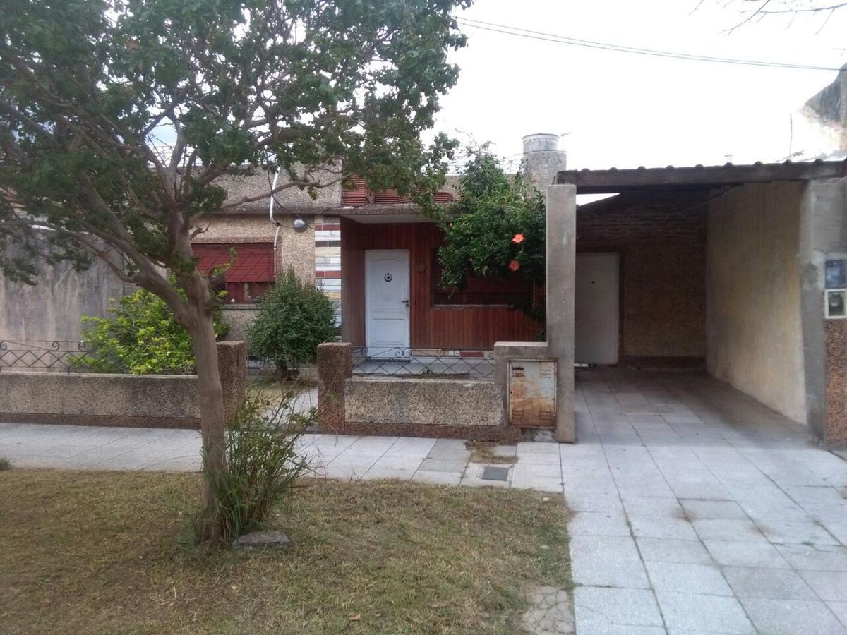 Foto Casa en Venta en  Wilde,  Avellaneda  Beruti al 6500