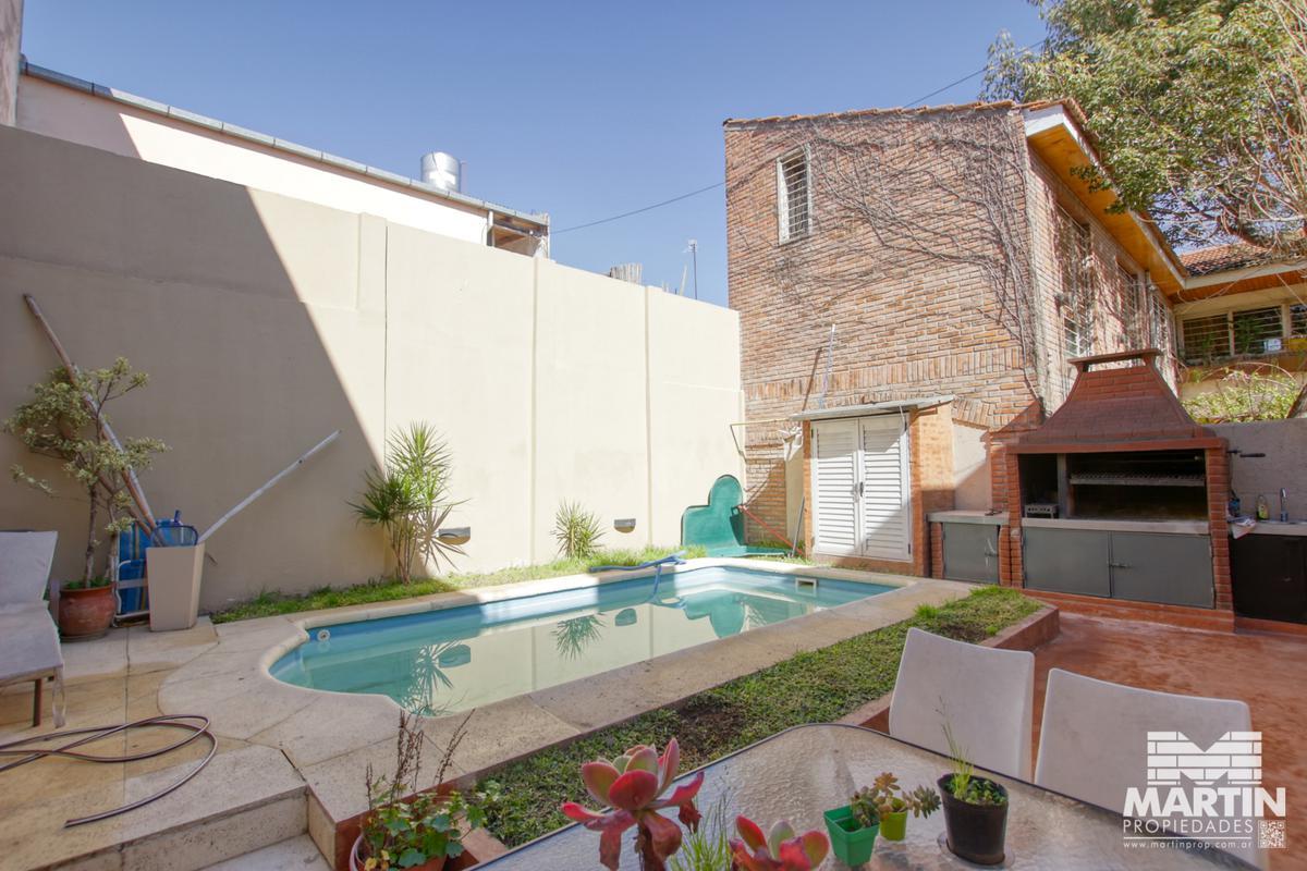 Foto Casa en Venta en  Mart.-Santa Fe/Fleming,  Martinez  Dorrego al 200