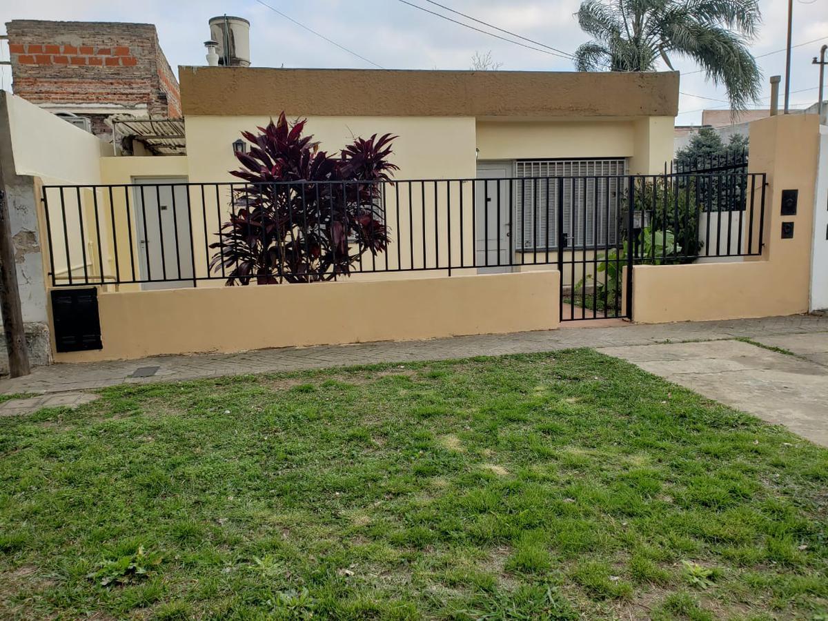 Foto Casa en Venta en  Azcuenaga,  Rosario  RIOJA 5727