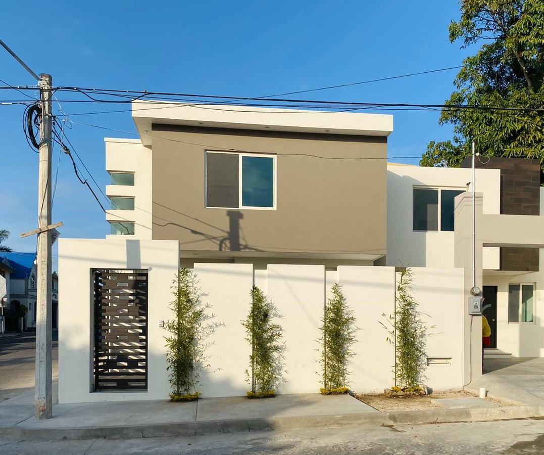 Foto Casa en Venta en  Ciudad Madero ,  Tamaulipas  CASA NUEVA EN ESQUINA COL. LOMA DEL GALLO CON PATIO