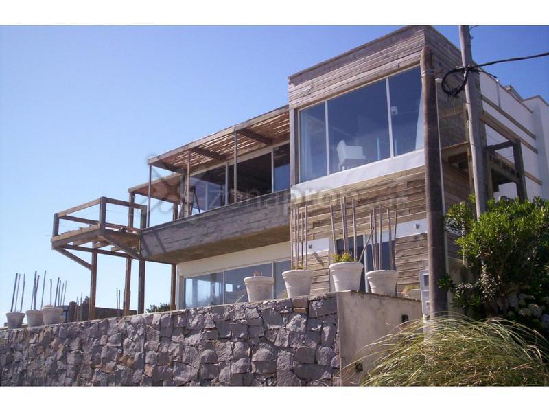 Foto Casa en Alquiler temporario en  Punta del Este ,  Maldonado  El Chorro 100