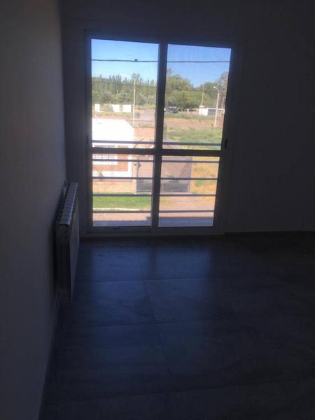 Foto Casa en Venta en  Capital ,  Neuquen  FUENTEALBA AL 600. CASA  EN VENTA. EXCELENTE OPORTUNIDAD