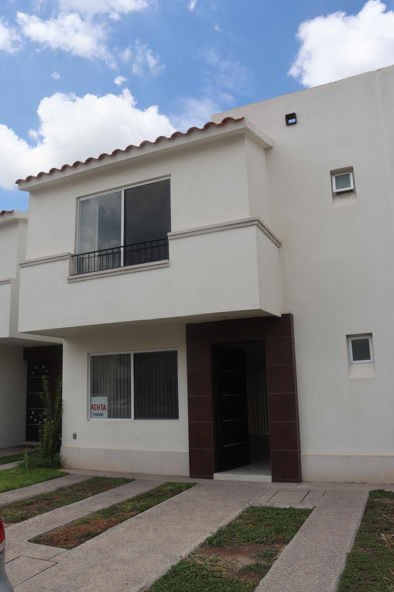 Foto Casa en Renta en  Puerta de Piedra,  San Luis Potosí  Casa Modelo Cantera en Puerta de Piedra