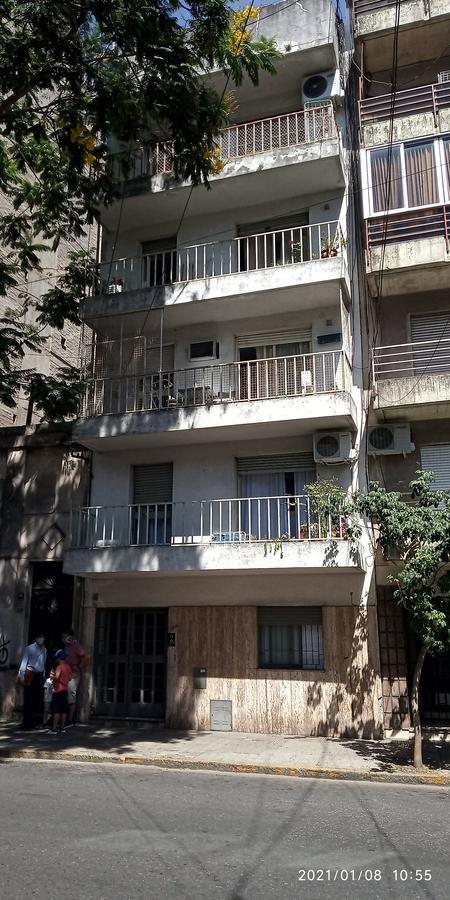 Foto Departamento en Venta en  Centro Oeste,  Rosario  Departamento 2 dormitorios y 2 baños - Balcarce 1382 03 01
